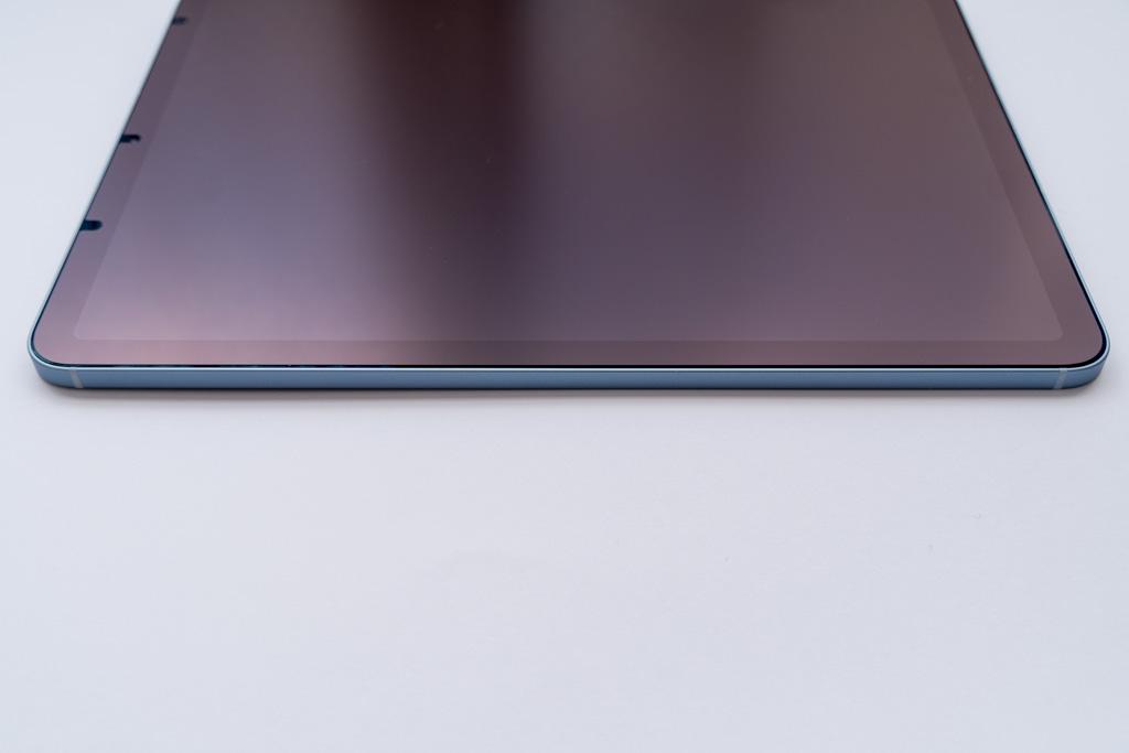 iPad Air 4 下側面